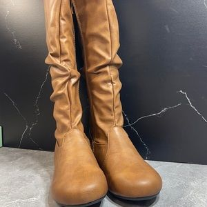 Forever Selena-24 Slouch Boot Tan Size 7.5m